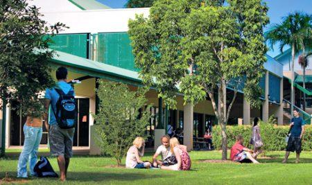 Học bổng lên tới 24,300 AUD tại James Cook University Brisbane, Úc