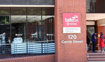 Du học Úc chi phí thấp với khóa học Kết hợp giữa TAFE và các trường Đại học.